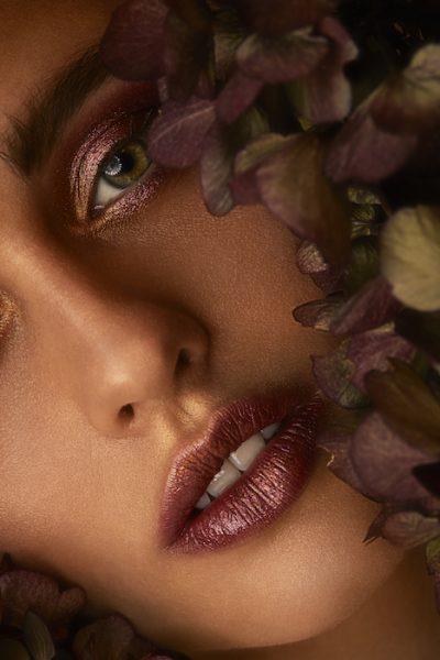 Bianca Puchmueller for ELEGANT magazine